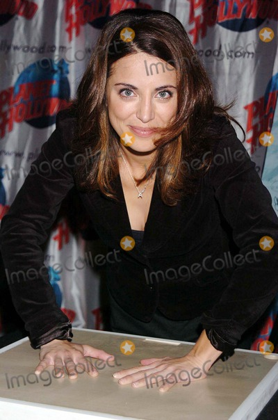 """Alanna Ubach Photo - Stars From the Movie """"Waiting"""" Donate Memorabilia and Imprint Their Hands For Display at Planet Hollywood Times Square New York City 10-06-2005 Photo by John Krondes-Globe Photos 2005 Alanna Ubach"""