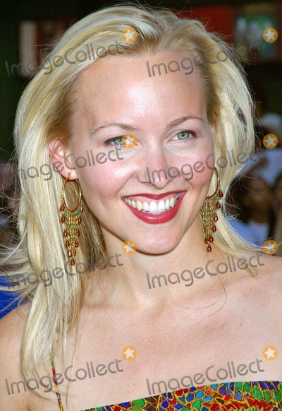 "Amy Hathaway, Grauman's Chinese Theatre Photo - ""LA Twister"" World Premiere at Grauman's Chinese Theatre, Hollyood, CA. (06/28/04) Photo by Clinton.h.wallace/ipol/Globe Photos Inc.2004 Amy Hathaway"