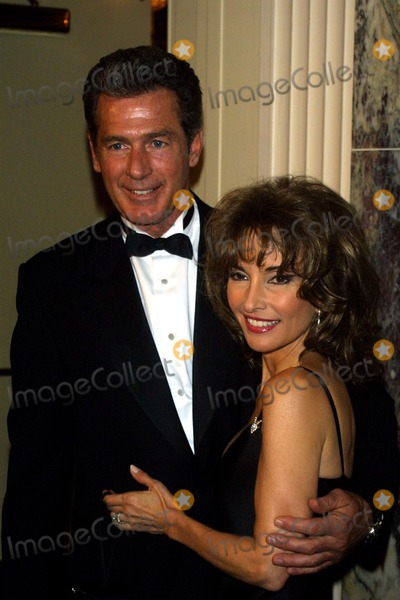 """Jack Scalia, Susan Lucci, Jackée Photo - Sd0412 57th Anniversay """"Ball of the Year"""" Waldorf-astoria,nyc Susan Lucci and Jack Scalia Photo:john Barrett/Globe Photos Inc 2002 This Event Benefits the Boys' Town of Italy"""