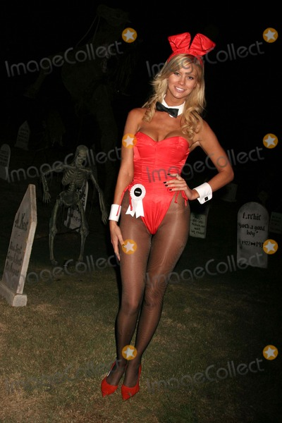photos and pictures playboys haunted mansion halloween party preview playboy mansion holmbly hills ca 102408 playboy bunnies amanda paige photo