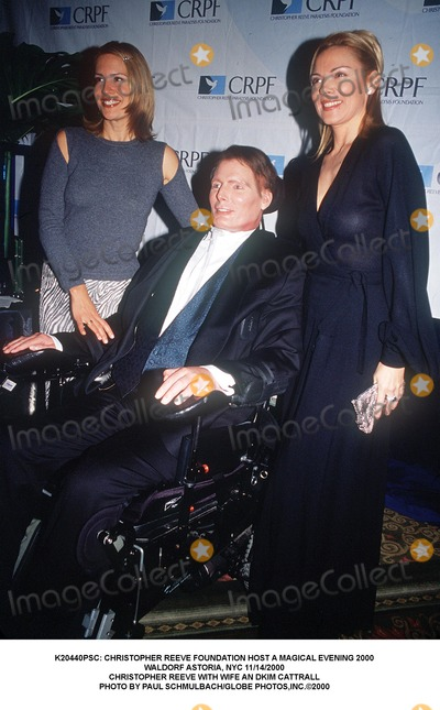 Christopher Reeve Photo - : Christopher Reeve Foundation Host a Magical Evening 2000 Waldorf Astoria, NYC 11/14/2000 Christopher Reeve with Wife an Dkim Cattrall Photo by Paul Schmulbach/Globe Photos,inc.