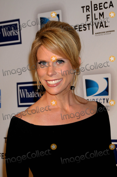 Cheryl Hines Photo - World Premiere of 'Whatever Works'. Opening Night of the Tribeca Film Festival Ziegfeld Theater, New York City 09-22-2009 Cheryl Hines Photo by Ken Babolocsay-ipol-Globe Photos Inc 2009