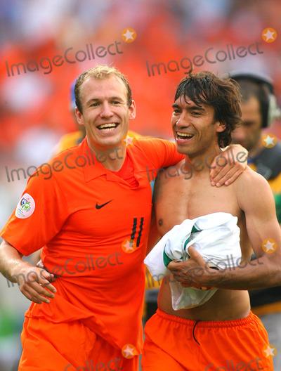 Arjen Robben Photo - Arjen Robben & Van Bronckhorst Cellebrate Win Holland V Ivory Coast World Cup Soccer 06-16-2006 Photo by Allstar-Globe Photos