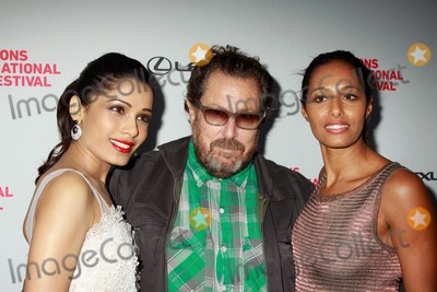 "Julian Schnabel, Rula Jebreal, UA Theater, Frieda Pinto Photo - The Hamptons International Film Festival 2010 Screening of ""Miral"", Directed by Julian Schnabel Ua Theater, East Hampton, NY. 10-08-2010 Photos by Sonia Moskowitz, Globe Photos Inc 2010 Frieda Pinto, Julian Schnabel, Rula Jebreal, Rula Jebreal"