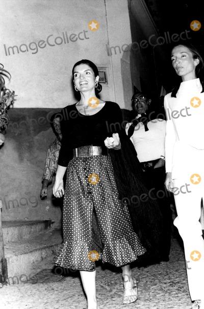 Jacqueline Kennedy Onassis, Kennedy, Lee Radziwill, Jacqueline Kennedy Photo - Jacqueline Kennedy Onassis and Lee Radziwill Elio Sorci/Globe Photos, Inc. Jacquelinekennedyonassisobit