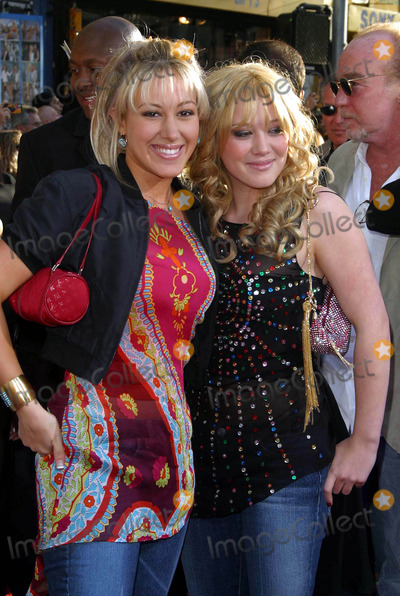 Haylie Duff, Hilary Duff Photo - Haylie Duff and Hilary Duff - the Lizzie Mcguire Movie - Premiere - El Capitan Theater, Hollywood, CA - April 26, 2003 - Photo by Nina Prommer/Globe Photos Inc2003