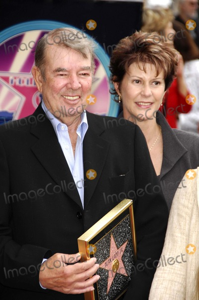 Alan Ladd Photo - Alan Ladd Jr. Receives a Star on the Hollywood Walk of Fame, Hollywood, CA 09-28-2007 Photo by Michael Germana-Globe Photos 2007 Alan Ladd Jr. and Wife Cindra