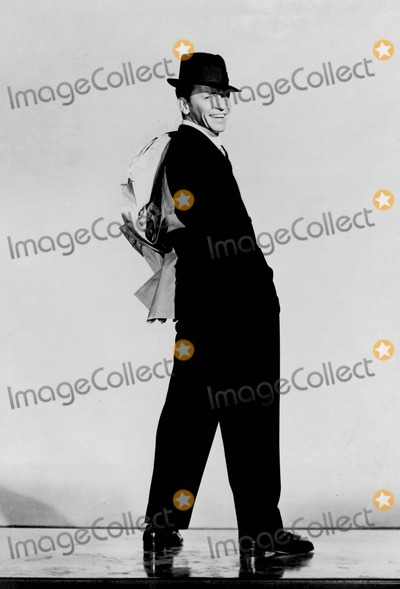 Frank Sinatra Photo - Frank Sinatra Supplied by Globe Photos, Inc. Tv-film Sitll
