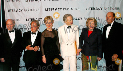 Arnold Scassi, Hillary Clinton, Liz Smith, Tom Wolfe, Group Shot Photo - Literacy Partners Host 20th Annual Gala, an Evening of Readings at Lincoln Center in New York City 5/03/2004 Photo By:rick Mackler/rangefinders/Globe Photos,inc. 2004 Jack Welch, Arnold Scassi, Hillary Clinton, Tom Wolfe, Liz Smith and Parker Ladd