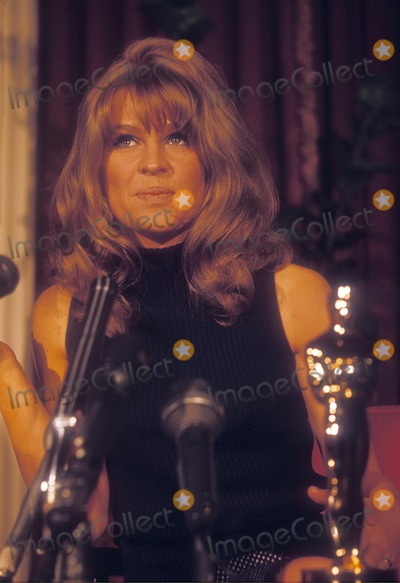 Julie Christie Photo - Julie Christie at the Academy Awards 1966 Supplied by Globe Photos, Inc.