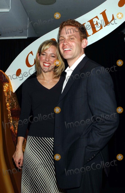 Amy Henry, Nick Warnock, Kiss Photo - Hershey's Kisses Party to Launch New Kiss Filled with Caramel at Empire State Building , New York City 04/28/2004 Photo: Ken Babolcsay/ Ipol/Globe Photos,inc. 2004 Amy Henry and Nick Warnock