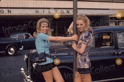 Photo - Kessler Twins Alice and Ellen Kessler W7238 Supplied by Globe Photos, Inc.