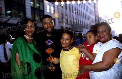 Laurence Fishburne Photo - Laurence Fishburne and Family Paul Schmulbach/Globe Photos, Inc.