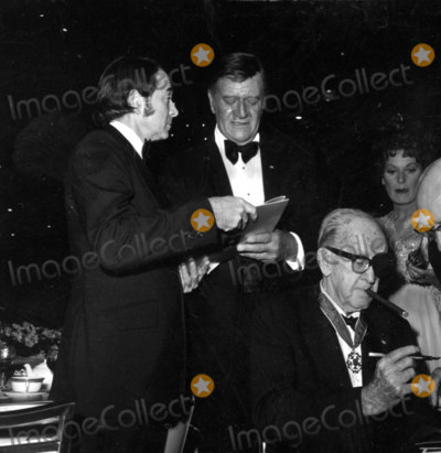 John Ford, John Wayne, Army Archerd Photo - -1973 A1604 Army Archerd, John Wayne and John Ford Photo by Globe Photos