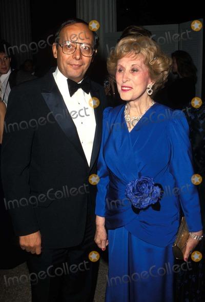 Estee Lauder, Al D'Amato Photo - AL D'amato and Estee Lauder 12/1984 Photo Supplied by Ipol/Globe Photos Esteelauderretro