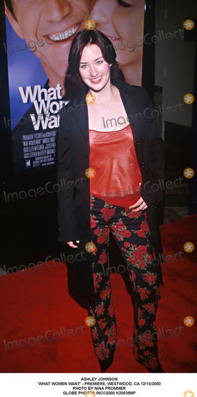 Ashley Johnson Photo - Ashley Johnson 'What Women Want' - Premiere, Westwood, CA 12/13/2000 Photo by Nina Prommer Globe Photos Inc2000
