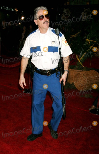 Carlos Alazraqui, 911, Grauman's Chinese Theatre Photo - Reno 911: Miami - World Premiere Grauman's Chinese Theatre, Hollywood, CA 02-15-2007 Carlos Alazraqui Photo: Clinton H. Wallace-photomundo-Globe Photos Inc