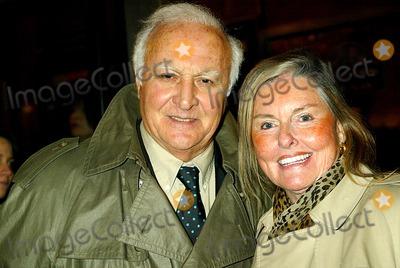Audrey Loggia, Robert Loggia Photo - Sd1212 Two Weeks Notice Premiere Robert and Audrey Loggia Ziegfeld Theatre, New York City Photo:sonia Moskowitz/Globe Photos Inc