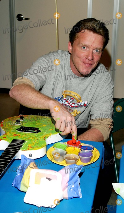 Anthony Michael Hall Photo - Gibson Guitar Paint For Pep Charity Event. at the Gibson Baldwin Showroom Beverly Hills, CA. 12-04-2004 Photo by Jaimie Rodriguez / Rangefinder/Globe Photos Inc. 2004 Anthony Michael Hall