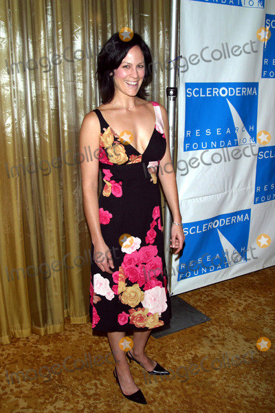 "Annabeth Gish Photo - Annabeth Gish K26975mr ""Cool Comedy-hot Cuisine"" Fundraiser For Scleroderma Research Regent Beverly Wilshire Hotel, Beverly Hills, CA Nov. 01, 2002 Photo by Milan Ryba/ipol/Globe Photos, Inc."