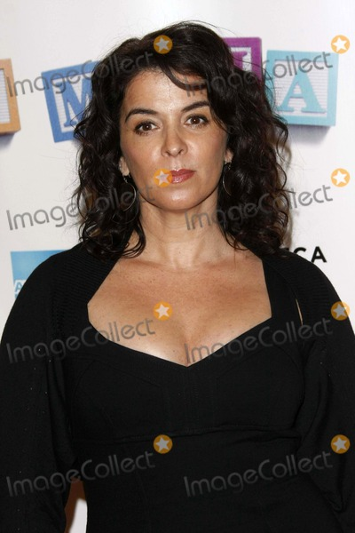 """Annabella Sciorra Photo - Actress Annabella Sciorra Arriving at the World Premiere of the Film """"Baby Mama"""" During Tribeca International Filmfest at Ziegfeld Theatre in Manhattan, New York, USA on April 23th, 2008. Photo by Alec Michael-Globe Photos 2008"""