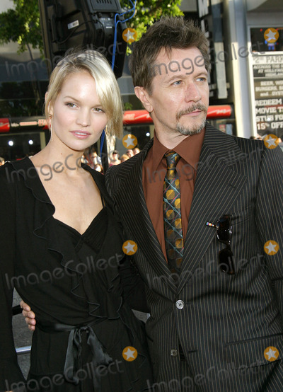 "Gary Oldman, Gary. Oldman, Batman, Grauman's Chinese Theatre Photo - "" Batman Begins "" Premiere at the Grauman's Chinese Theatre in Hollywood, California 6-6-2005 Photo By:ed Geller-Globe Photos , Inc 2005 Gary Oldman and Wife"
