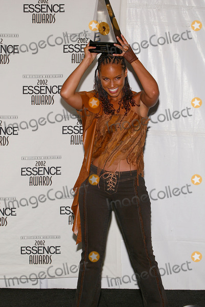 Alicia Keys Photo - Anniversary of the Essence Awards at Universal Amphitheatre in Los Angeles, CA Alicia Keys Won For Rising Star Photo by Fitzroy Barrett / Globe Photos Inc. 5-31-2002 K25169fb (D)