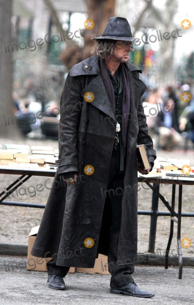 Nicolas Cage Photo - Nicolas Cage on the Set of ''the Sorcerer's Apprentice'' in Washington Square Park New York City 4-02-09 Photos by John Barrett-Globe Photos 2009