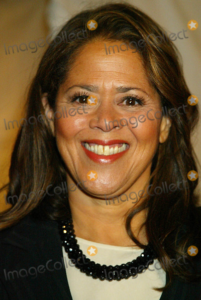 "Anna  DEAVERE Smith, Anna Deavere Smith Photo - Premiere of Hbo's Movie ""Angels in America"". at the Ziegfeld Theatre, New York City. 11/04/2003 Photo by Sonia Moskowitz / Globe Photos,inc. Anna Deavere Smith"