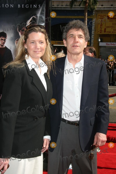 """Alan Horn, Alan Horne, Grauman's Chinese Theatre Photo - U.s. Premiere of """"Harry Potter and the Order of the Phoenix"""" Grauman's Chinese Theatre, Hollywood, CA 07-08-07 Alan Horn and Guest Photo: Clinton H. Wallace-photomundo-Globe Photos Inc"""