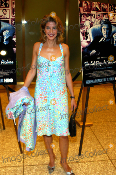 "Candace Bushnell Photo - Sd0508 Tribeca Film Festival Premiere of ""Kid Stays in the Picture"" Rockefeller Center,new York City Photo By:rick Mackler / Rangefinders / Globe Photos, Inc 2003 Candace Bushnell"