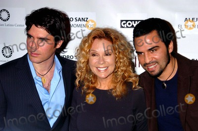 "Kathie Lee Gifford, Alejandro Sanz, Kathy Lee, Kathy Lee Gifford, Kathie Lee-Gifford, Eduardo Verastegui, Manny Perez, Grammy Awards, Kathie Lee Photo - PEOPLE EN ESPANOL & THE SMITHSONIAN LATINO CENTER HONOR THE SUCCESS OF INDEPENDENT FILM ""BELLA"", AND ""EL TREN DE LOS MOMENTOS"" TOUR BY 15 TIME GRAMMY AWARD WINNER ALEJANDRO SANZ.