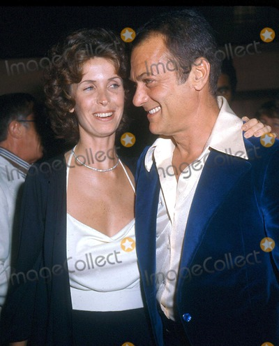 Photos And Pictures Tony Curtis And Leslie Photoglobe Photos Inc