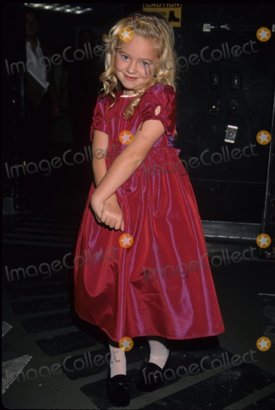 Madylin Sweeten Photo - Madylin Sweeten Young Star Awards Nickelodeon Theatre Universal City Ca. 1998 K13981lr Photo by Lisa Rose-Globe Photos, Inc.