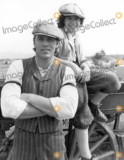 Jon Erik Hexum, Jon-Erik Hexum, Tv-film Still, Tv-film Stills Photo - Jon-erik Hexum and Meeno Peluce 1982 Voyagers Tv-film Still Photo Supplied by Globe Photos