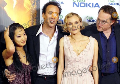 "Alice Kim, Alice Kim Cage, Diane Kruger, NICHOLAS CAGE, JON TURTLETAUB Photo - Alice Kim, Nicholas Cage & Diane Kruger Jon Turtletaub ""National Treasure"" Premiere -Palacio DE LA Musica, Madrid, Spain 10-26-2004 Photo By:robert Calanda-globelinkuk-Globe Photos, Inc 2004"