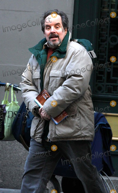 John Pankow Photo - -24-09 John Pankow on the Set Of''the Extra Man'' in Midtown N.Y. Photos by John Barrett-Globe Photos,inc