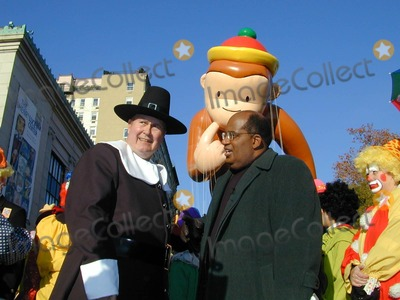 Al Roker, Willard Scott Photo - Annual Macy's Thanksgiving Parade New York City . November 22, 2001 Willard Scott & Al Roker Photo by: Bruce Cotler/Globe Photos, Inc. Photo by Bruce Cotler/Globe Photos, Inc.