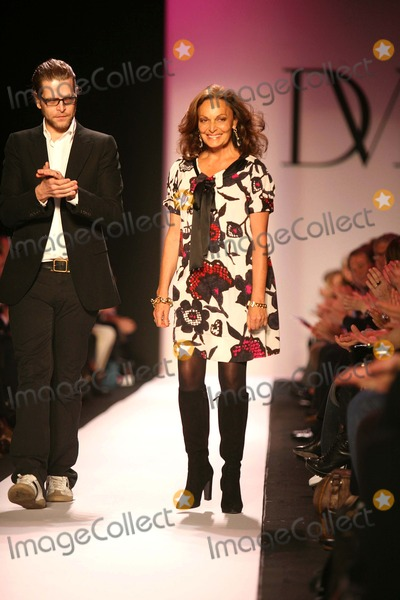 Diane Von Furstenberg, Diane Furstenberg Photo - Mercedes Benz Fashion Week Fall 2007 -Diane Von Furstenberg (Runway) Bryant Park , New York City 02-04-2007 Photo by Sonia Moskowitz-Globe Photos, Inc.