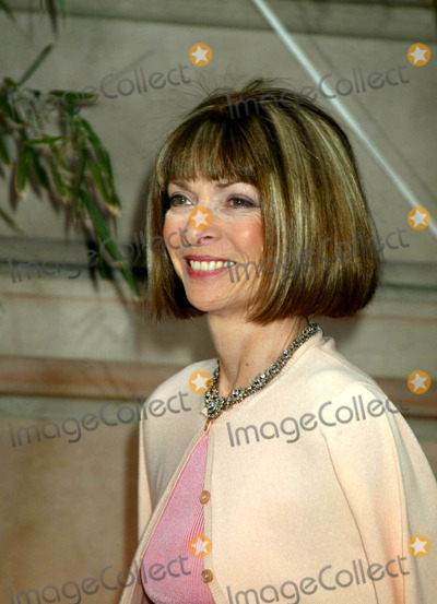 "Anna Wintour, Anna Maria Perez de Taglé Photo - Sd05/06/2003 Cartier Gala Event ""Le Baiser Du Dragon"" Cartier Mansion , New York City Anna Wintour Photo by Sonia Moskowitz / Globe Photos,inc."