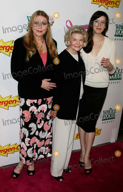 Liv Tyler, Bebe Buell, Pink, DOROTHEA JOHNSON Photo - LIV TYLER,HER MOTHER BEBE BUELL AND HER GRAND MOTHER DOROTHEA JOHNSON KICK OFF  BREAST CANCER AWARENESS MONTH WITH LAUNCH OF GENERATION PINK WITH EMERGEN-C AT  WHOLE FOODS MARKET,BOWERY DATE 101-08-07  PHOTOS BY JOHN BARRETT-GLOBE PHOTOS,INC