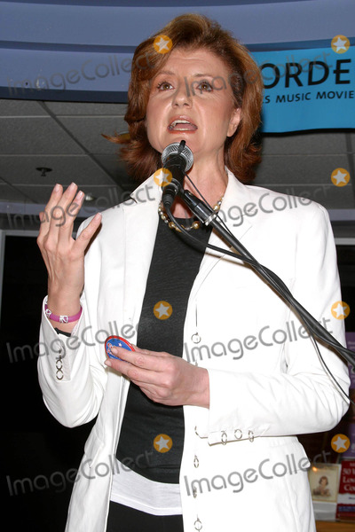 Arianna Huffington, Ariana Huffington Photo - Bookstore Appearance by Arianna Huffington Discussing New Book Move On's 50 Ways to Love Your Country. (05/28/2004) Borders Book and Music, Westwood, CA. Photo by Milan Ryba/Globe Photos Inc2004 Ariana Huffington