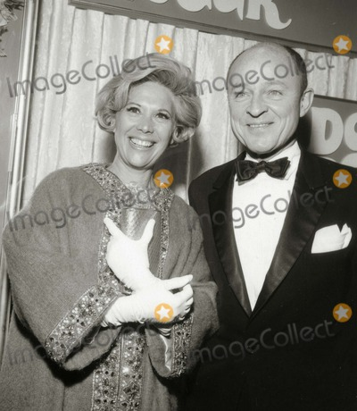 Dinah Shore Photo - Dinah Shore and Frank Mccarthy Photo: Nate Cutler/Globe Photos Inc