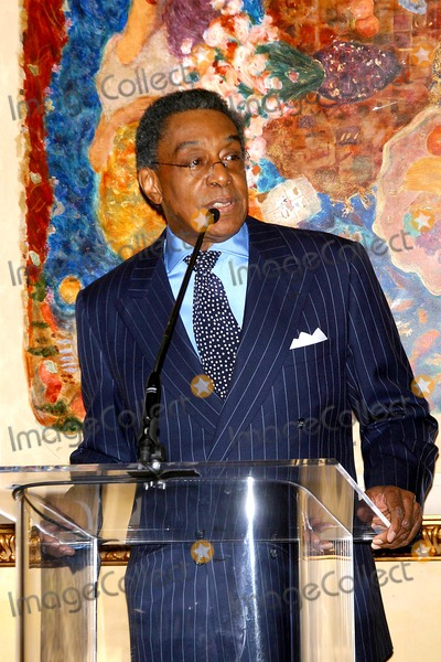 Don Cornelius, Train Photo - 18th Annual Soul Train Music Awards 2004 Announcement Spago Restaurant,beverly Hills,ca.(02/19/04) Photo by Milan Ryba/Globe Photos Inc.