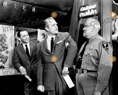 """Frank Sinatra, Tv-film Still, Tv-film Stills Photo - Frank Sinatra in """"ocean's Eleven"""" Supplied by Smp-Globe Photos, Inc. Tv-film Still"""