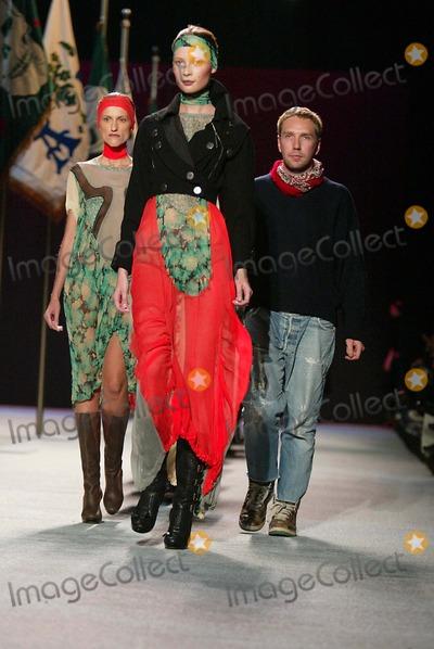 Alexandre Herchcovitch Photo - Olympus Fashion Week Fall 2006 -Alexandre Herchcovitch Runway Bryant Park New York City 02-04-2006 Photo by Sonia Moskowitz-Globe Photos