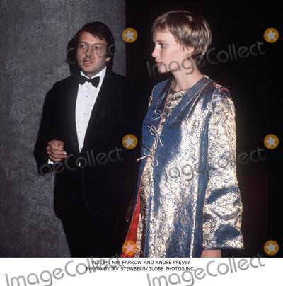 Andre Previn, Mia Farrow Photo - : Mia Farrow and Andre Previn Photo by Irv Steinberg/Globe Photos,inc.