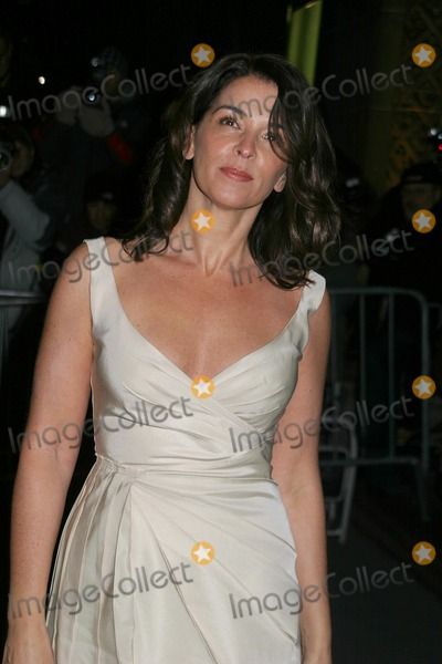 Annabella Sciorra Photo - Annabella Sciorra 2006 National Board of Review Gala at Cipriani's East42nd Street 01-09-2007 Photo by Paul Schmulbach-Globe Photos, Inc.