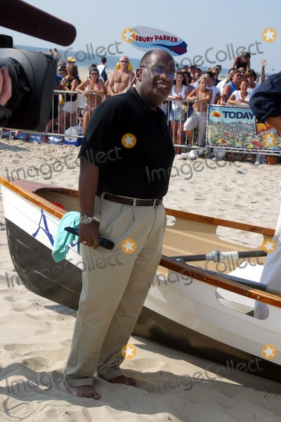 Al Roker, Bruce Springsteen Photo - Sd0730 Bruce Springsteen Performs on the Today Show AL Roker Ashbury Park, New Jersey Photo:john Barrett/Globe Photos Inc