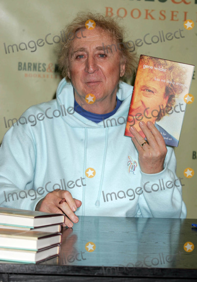 """Gene Wilder, Kiss Photo - Gene Wilder Signing Copies of His Book """"Kiss ME Like a Stranger"""" at Barnes and Noble New York City 03-15-2005 Photo by Rick Mackler-rangefinders-Globe Photos"""
